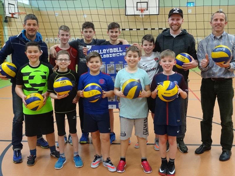 Kleine Volleyballabteilung mit großen Taten